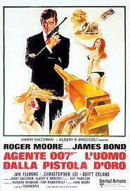 """James Bond saluta Roger Moore, l'agente che sconfisse """"l'uomo con la pistola d'oro"""""""